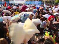 Bucurestiul, printre cele 50 de orase din lume care au sarbatorit sambata Ziua Internationala a Bataii cu Perne