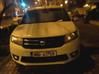 Masina MAI parcata pe trotuar. Mesajul lasat in geamul autoturismului. VIDEO