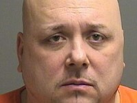 Nu a mai asteptat sentinta judecatorului! Un barbat acuzat de viol si crima si-a decis singur sfarsitul. VIDEO