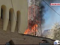 Interventie cu 6 autospeciale de pompieri la un incendiu din Galati. 3 case au fost afectate, dintre care una a ars complet