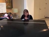 Momentul emoționant în care o mama îi cântă la pian fiului aflat pe moarte. VIDEO