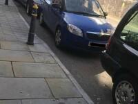 Un șofer care a parcat mașina lângă o biserică a blocat un cortegiu funerar