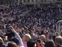 Mii de suedezi l-au comemorat pe DJ Avicii și au dansat pe muzica lui
