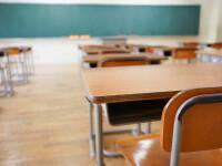 Incident șocant într-o școală din Sibiu. Două eleve, lovite cu biciul de un bărbat în sala de clasă