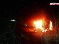 O mașină a căzut de pe platformă și a luat foc, pe Autostrada Soarelui. Unde urma să ajungă