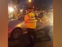 Momentul în care un șofer de BMW încearcă să scape de 20 de polițiști. VIDEO