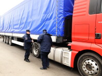"""ANAF """"a blocat"""" sute de TIR-uri la graniţă. Avertismentul retailerilor"""