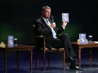 """Klaus Iohannis şi-a lansat a 3-a carte: """"Ca să trăim bine, trebuie să muncim bine"""""""