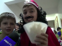 Elevii unei școli din Bacău își câștigă singuri banii necesari pentru un loc de joacă