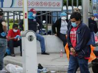 Familii blocate cu cadavre în case în Ecuador. Multe au fost abandonate pe străzi