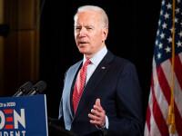 """Joe Biden, atac dur la adresa lui Trump. Este un """"cretin perfect"""" pentru că şi-a bătut joc de masca sa"""
