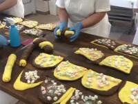 Românii din străinătate au făcut cozi la magazinele cu produse tradiționale de acasă