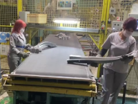 Uzina Dacia și-a reluat producția, în condiții speciale. Ce măsuri iau celelalte companii
