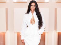 Kim Kardashian, apariție de senzație pe o plajă din Malibu, în plină pandemie. GALERIE FOTO
