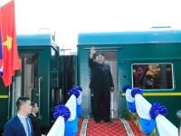 Cum arată trenul în care Kim Jong Un dă petreceri cu alcool și tinere virgine