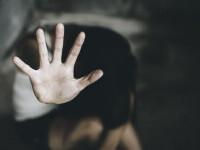 O fetiță de 15 ani din Marea Britanie a fost trasă în mare și violată de un adolescent pakistanez
