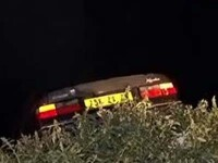Operatiune de salvare incredibila in Noua Zeelanda. Cum au reusit doi politisti sa ajunga la o femeie blocata intr-o masina