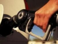 Petrom ieftineşte din nou benzina şi motorina