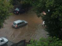 Furtuna devastatoare in Bucuresti. Doi studenti au fost loviti de fulger