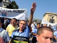 Politistii din Bucuresti ameninta cu proteste daca li se taie salariile