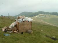 Amenda pentru aruncat gunoiul in locurile de campare: 6.000 de lei!