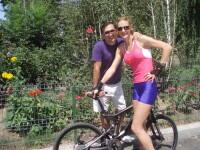 Ion Craciunescu, la plimbare cu bicicleta alaturi de Roxana Ciuhulescu
