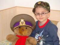 Are numai 8 ani si se lupta cu o boala cumplita! Ajuta-l pe Marian