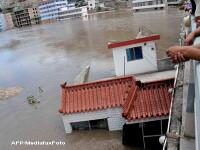 In Los Angeles a plouat cat pentru 6 luni! Mii de oameni, evacuati