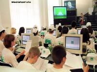 Au dat iama in laboratorul de informatica al unei scoli. Au furat calculatoare de 30 de mii de lei