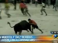 IMAGINI SOCANTE. Barbat omorat de un taur de 600 de kilograme si tarat in jurul zonei de lupta