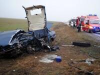Blocaj pe DN1. Un microbuz s-a ciocnit cu un autoturism: 6 persoane sunt ranite