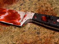 Elev de clasa a VIII-a injunghiat de un coleg, in sala de clasa, de fata cu o profesoara
