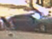 Imagini camera de supraveghere. Un sofer bolnav de viteza spulbera doi oameni pe trotuar. VIDEO