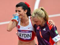 Ar trebui sa existe medalii pentru spirit olimpic. O atleta a terminat cursa in lacrimi de durere