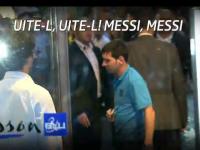 Fanii care au asteptat in ploaie n-au prins autografe de la Messi. Barca joaca azi pe National Arena