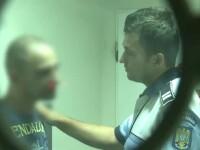 Un traficant de droguri, prins beat la volan, a muscat un politist si a facut scandal la arestare