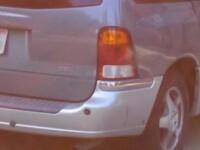 Mesajul scris pe masina de o persoana divortata. Fotografia a fost publicata pe Instagram