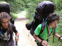 Doi tineri vor sa strabata in 52 de zile tot arcul Carpatilor si sa noteze toate problemele pe care le pot intampina turistii