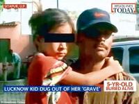 O fetita din India, ingropata de vie de catre rude, a iesit singura din mormantul improvizat