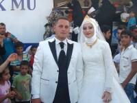 Si-au sarbatorit nunta alaturi de 4.000 de refugiati sirieni. Cuplul din Turcia care a atras admiratia lumii intregi
