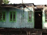 Tanarul suspectat ca a incendiat un magazin din Sinesti este de negasit. Cui apartinea cladirea arsa din temelii
