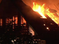 De ciuda ca fosta lui iubita se marita, un barbat din Suceava ar fi incendiat casa mirelui. Focul a fost pus in timpul nuntii