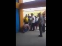 Presedintele Boliviei, filmat in timp ce ii ordona unei garzi de corp sa ii lege sireturile. Imaginile s-au viralizat. VIDEO