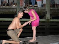 A vrut sa-si ceara iubita in casatorie, dar totul a mers cum nu se putea mai prost. Ce s-a intamplat cand a scos inelul