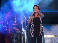 O cantareata celebra din Grecia, numita ministru al Turismului. A sustinut un concert la o zi dupa numirea in functie