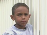 A devenit erou la 7 ani dupa ce a salvat de la inec un copil de 2 ani. \