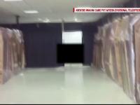Imagini revoltatoare, filmate in Cluj. Angajatii unor firme de pompe funebre imbalsameaza cadavre in garaje, intre blocuri