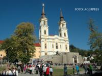 Pelerinaj la manastirea care l-a impresionat pe Papa Ioan Paul al II-lea. Minunile facute de plantele care cresc aici