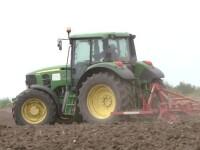 Fermierii romani cauta tractoristi, insa nu exista oameni specializati. Cat se poate castiga in aceasta meserie