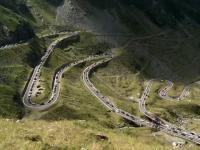 Cel mai frumos drum din Romania, sufocat de gunoaie. Reactia unui turist din Germania: